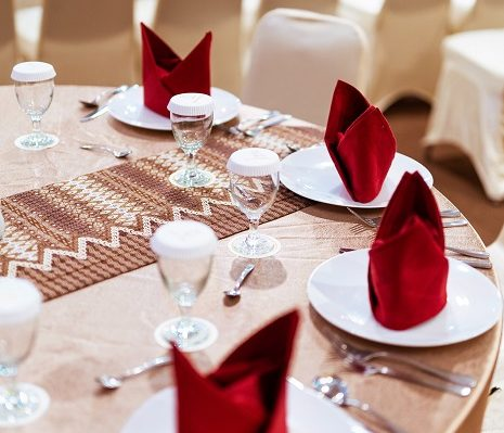 Table setting, formal dinner manners