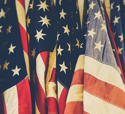 American Flags jakob-owens-isCDC9Q1hbY-unsplash