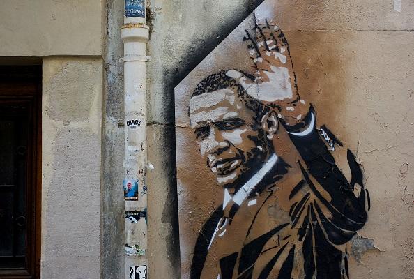 Obama wall art Photo by Lubo Minar on Unsplash