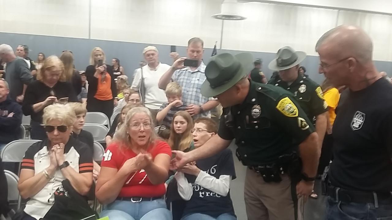 arrest 2 EC Meeting